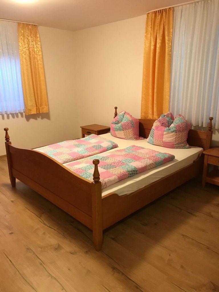 Schlafzimmer Ferienwohnung Holunderweg 6 mit 2 Schlafzimme